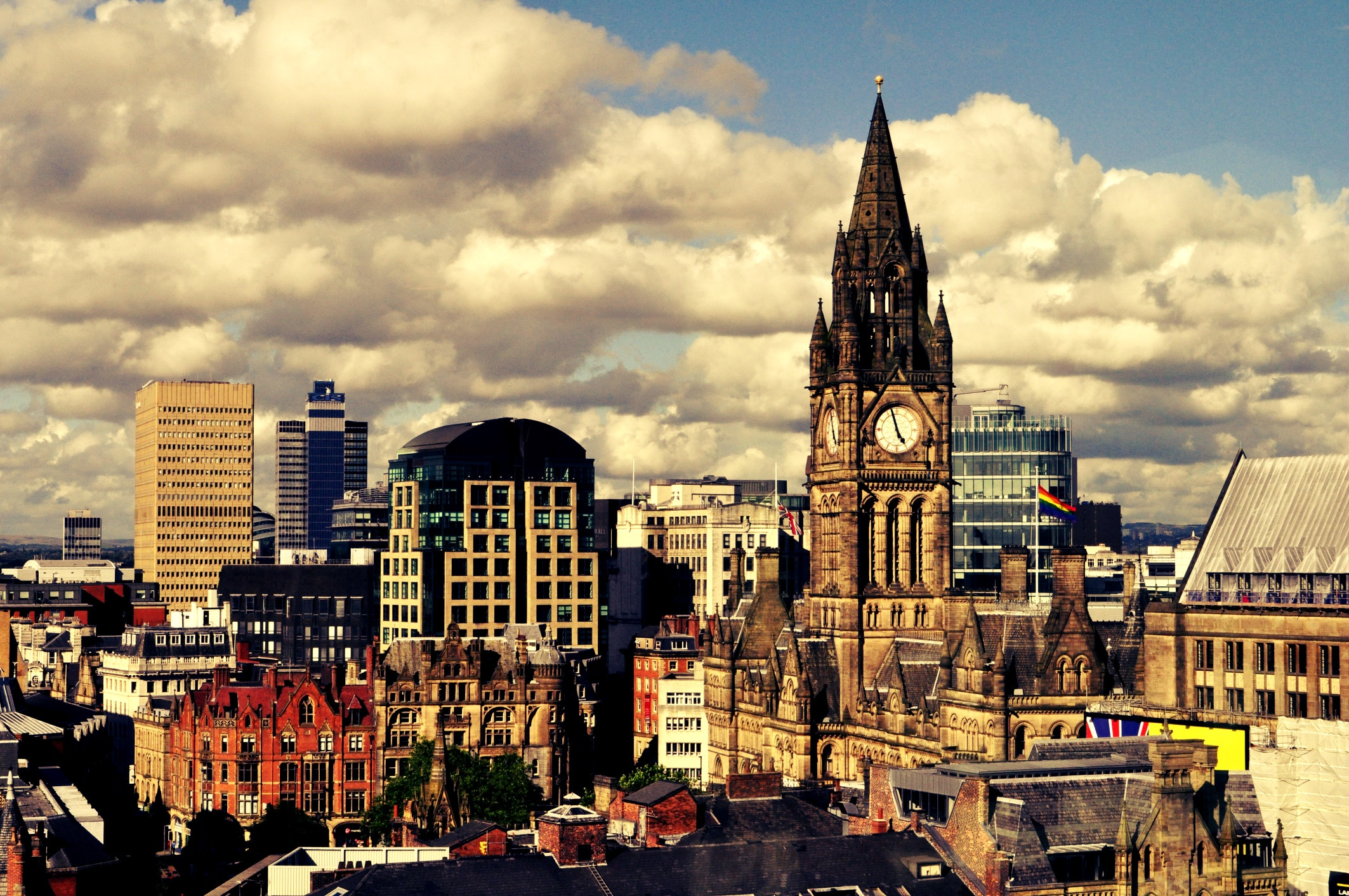 How to pick the right Conveyancing Solicitor in Manchester for you? Express Conveyancing